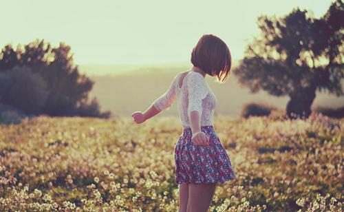 girl-in-field